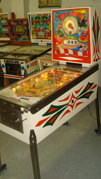 welcome to pinball machines for sale pinball game restoration and pinball. Black Bedroom Furniture Sets. Home Design Ideas